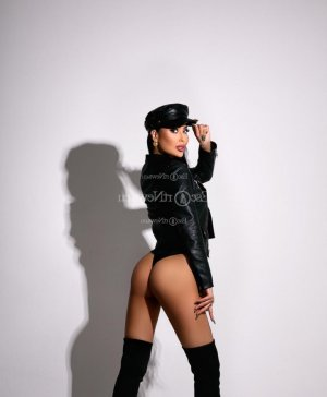 Nadine escort girl & thai massage