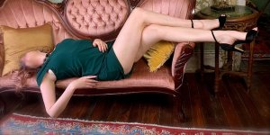 Ylenia call girls and erotic massage