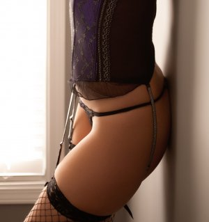 Esmina escort girl in Panama City Beach, nuru massage