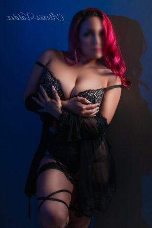 Aintzane happy ending massage in Cedarburg Wisconsin & escort