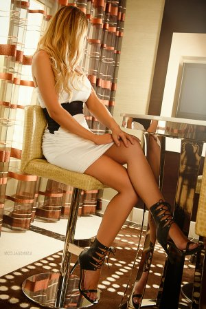 Matilde escort girl
