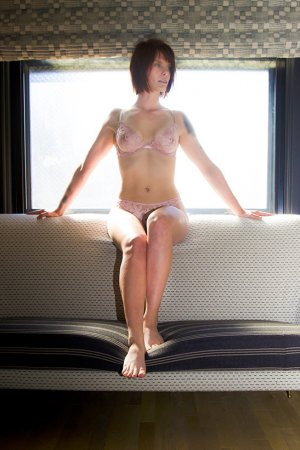 Charlina nuru massage in Pine Castle FL, live escort