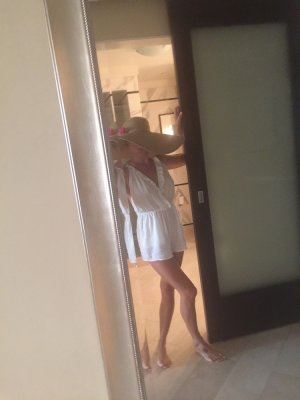 Adrianne escort girls in Beaufort SC