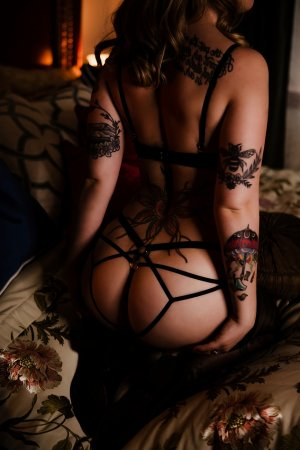 Marie-suzanne tantra massage in Kingstowne Virginia and escort