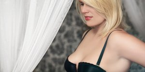 Leilia happy ending massage in Calumet City & escort girls